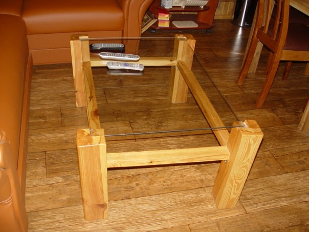 Стол из бруса фото