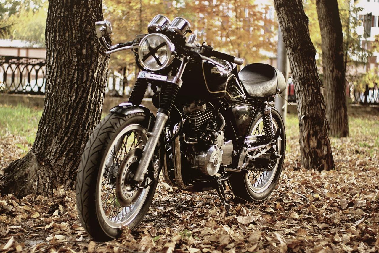 Мотоцикл настоящего ублюдка- CAFE RACER! / Не GSX-R или даже не ...