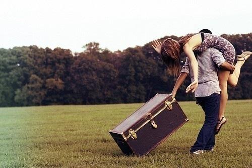 Как сделать приятно девушке если ты находишь далеко от нее