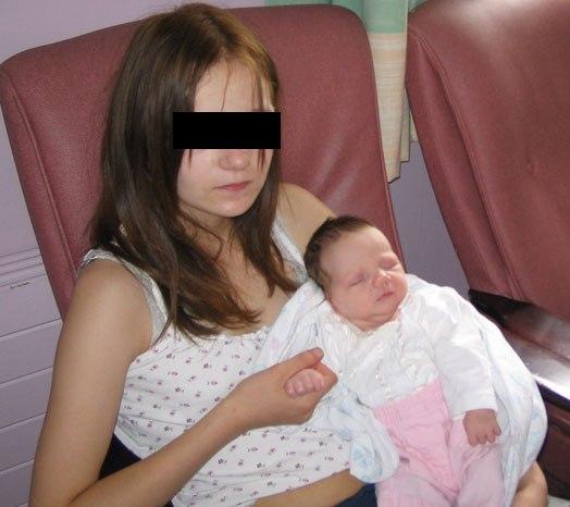 В Якутии 12-летняя школьница родила малыша.
