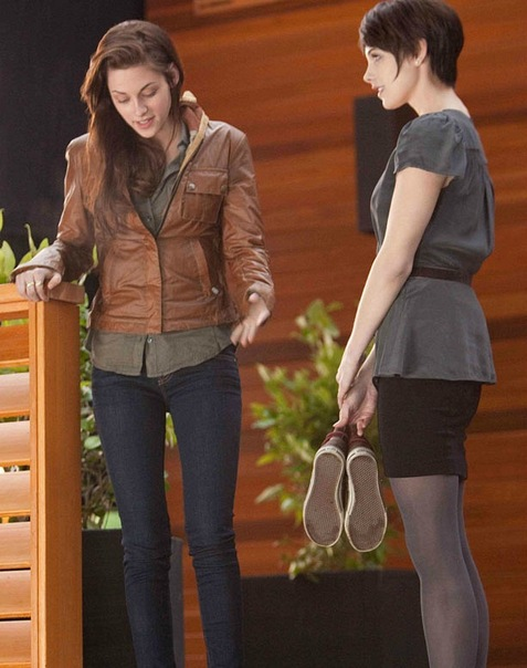 Kristen stewart twilight breaking dawn part 1 honeymoon