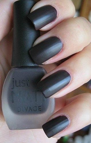 Чёрный матовый лак для ногтей купить