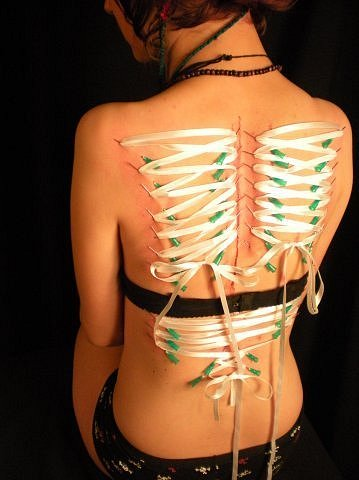 Бдсм прокол груди иглами онлайн 155
