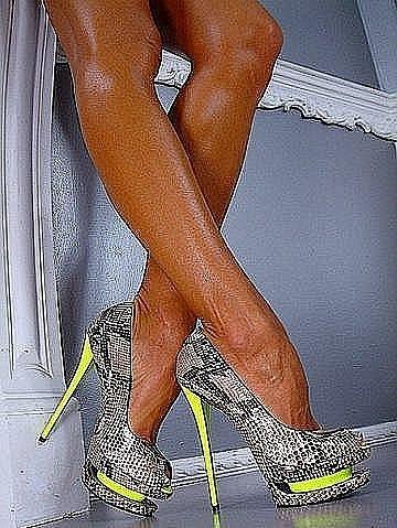 ботинки на колесиках где купить фото.