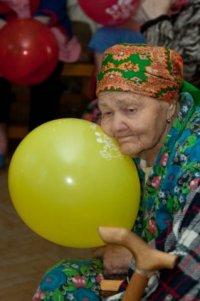 Волонтеры питер подарки к новому году старикам