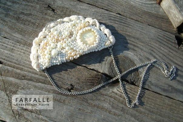 Маленькие вязаные шапочки