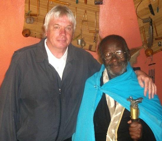 Интервью с зулуским шаманов Кредо Мутвой - Похищения и Рептилоиды
