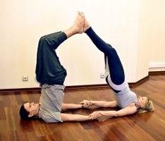 йога для 2 человек картинки