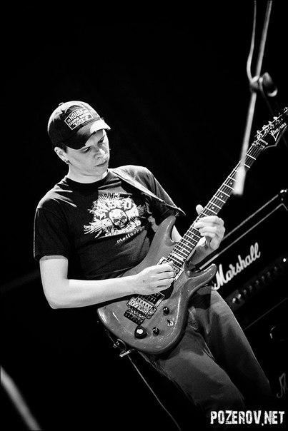Кирилл Олимпиев - электро-гитара