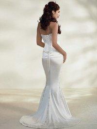 ...крой с отрезной кокеткой.  Прекрасный вариант для невесты в положении...