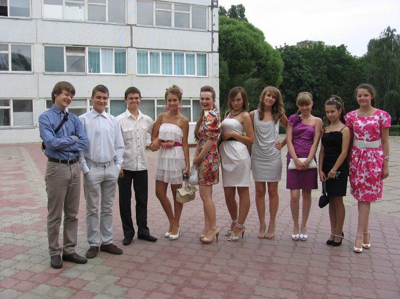 Лучшие платья выпускной 9 класс в