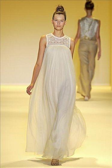 ...это простые неброские юбки и платья, а с другой - прозрачные.