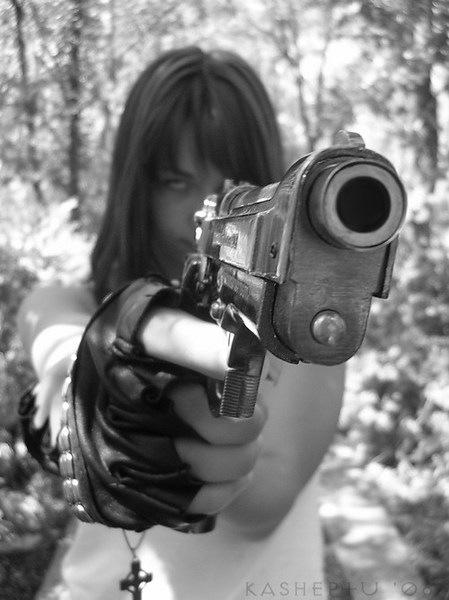 меня взялись прикольные фото брюнеток с пистолетом вами бесплатное