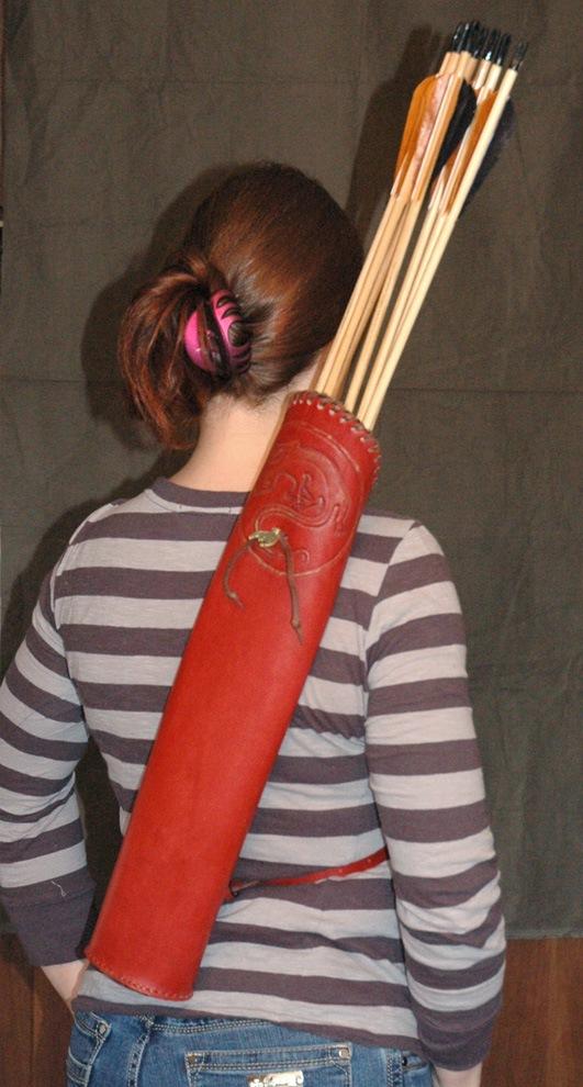 Как сделать колчан для стрелы из картона