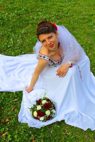 Плаття у вишитому стилі