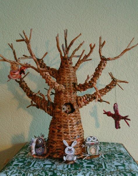 Поделки из газетных трубочек дерево