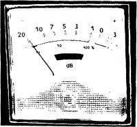 Стрелочный индикатор уровня записи.