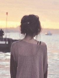 Со спины фото на аву девушка со спины