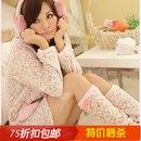 плюшевый комплект: домашний халат и носки<br>http://item.taobao.com/item.htm?id=13435093732<br>¥98<br>Все товары в данном альбоме находятся в Китае.<br>Цены указаны в Юанях, 1юань = 5р.<br>Ориентировочный срок доставки 1 месяц.