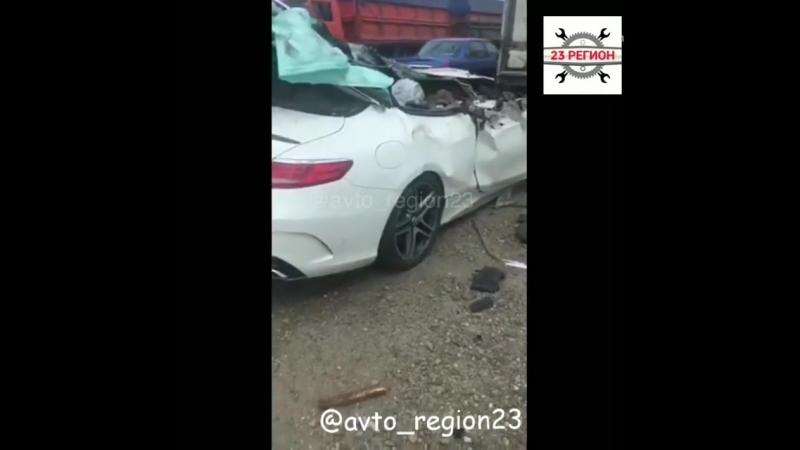 Mercedes Benz S63 AMG попал в смертельное ДТП под Кропоткином