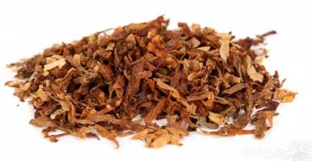 Частое употребление табачных изделий может привести к раку горла