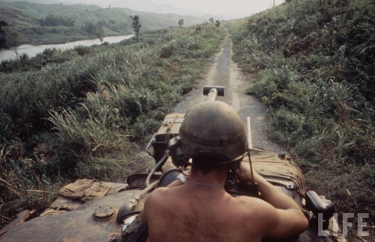 guerre du vietnam - Page 2 5rCEr2qMp9Q