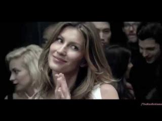 Реклама Каролина Эррера 212 ВИП Розе - Жизель Бундхен