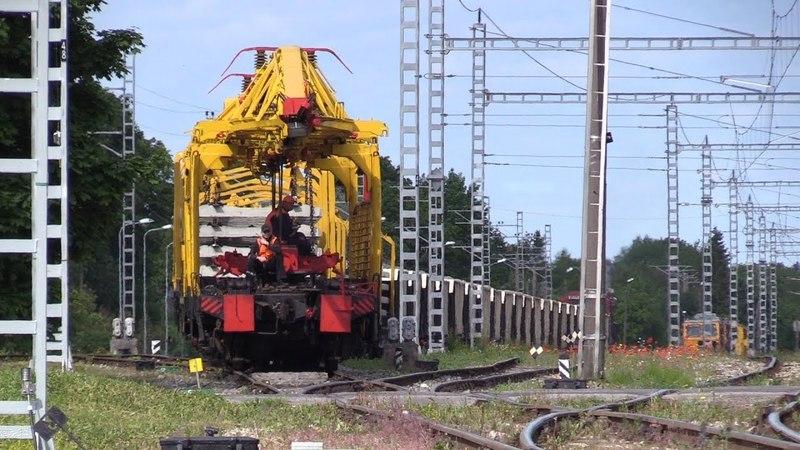 Рабочий поезд с тепловозом Ц36-7и-1511 / Track repair train with GE C36-7i-1511