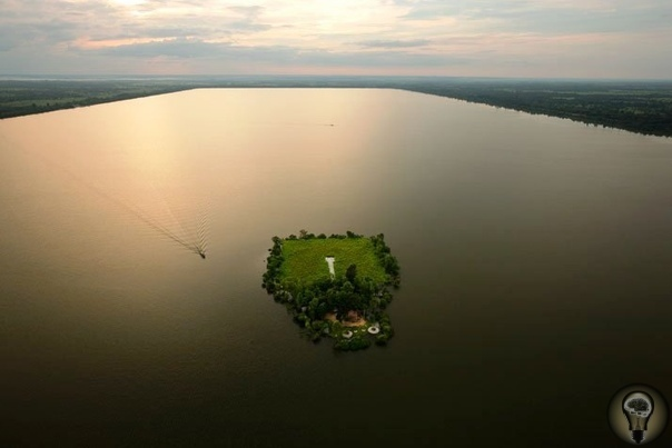 Загадка древней цивилизации кхмеров: рукотворное море Западный Барай Расположенный в Камбодже Западный Барай - это самое большое камбоджийское водохранилище.Представьте себе гигантский,