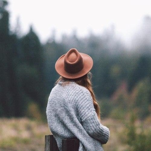 Коли ти будеш цінувати те, що у тебе є, а не жити в пошуку ідеалів, тоді ти по-справжньому станеш щасливим.