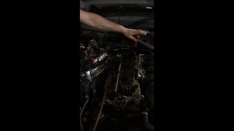 Замена колпачков маслосъемных BMW X1
