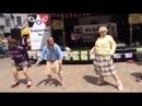Бабушки танцуют!учитесь