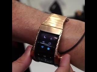 Nubia Alpha: гибридные часы-смартфон с гибким дисплеем