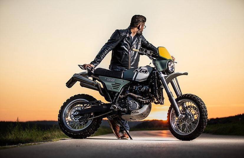 Кристоф Сзюс: скрэмблер KTM 640 LC4 Supermoto