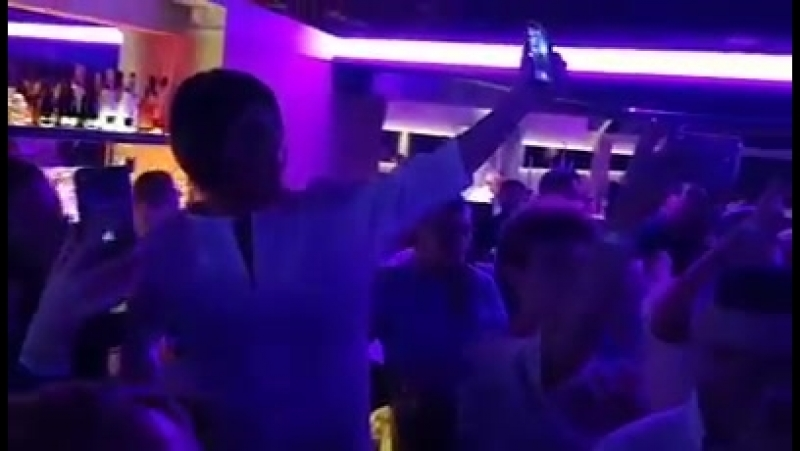 Группа НЭНСИ Дым сигарет с ментолом Дортмунд Германия 01 09 2018