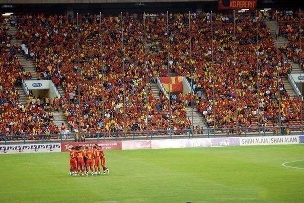 Самый странный матч в истории футбола сыграли Барбадос и Гренада в 1994 году. Чтобы занять первое место, Барбадосу надо было победить, причём с разницей как минимум в два мяча.