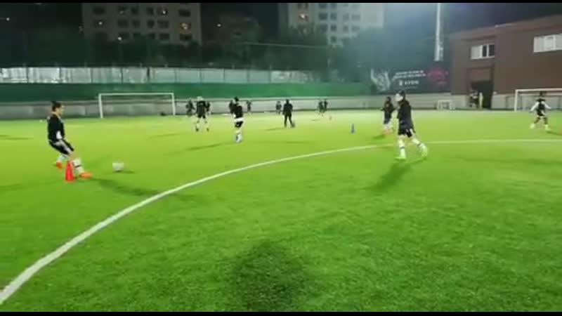Женская футбольная команда столкнется с 3-й неделей лиги 3 ноября.