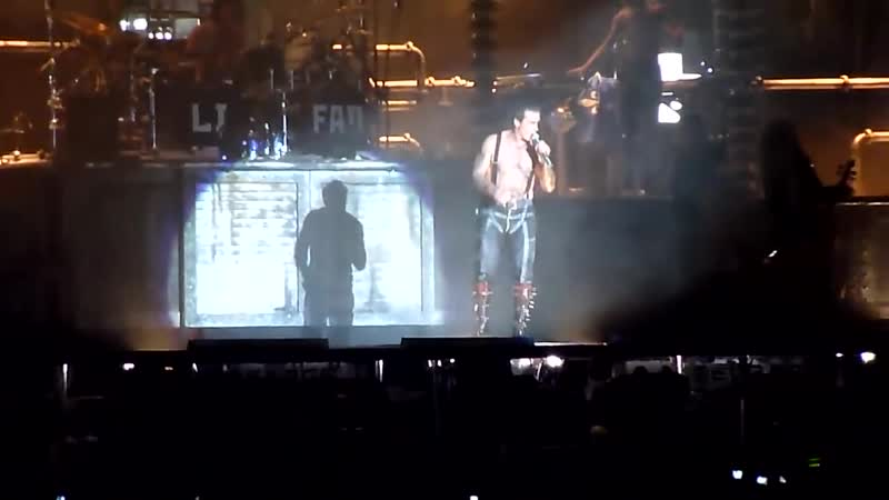 16 RAMMSTEIN Ich will feat APOCALYPTICA live in Canada on FESTIVAL D'ETE DE QUEBEC 18 07 10