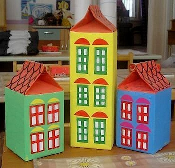 Поделка домик из коробки