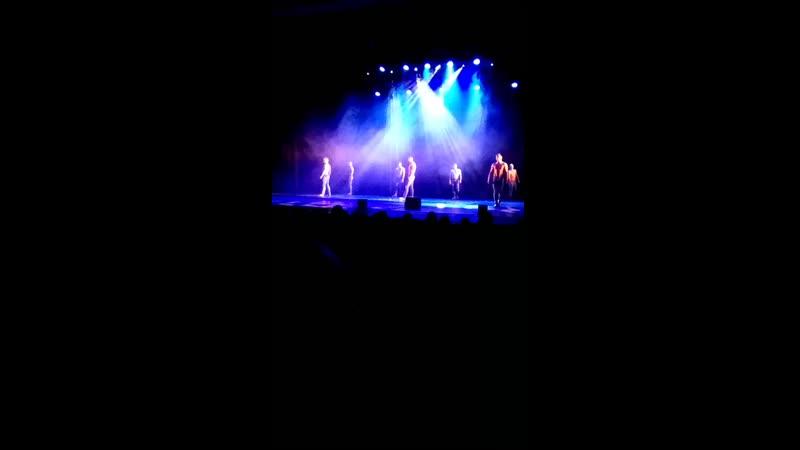 Танцы под дождем. Шоу балет Искушение