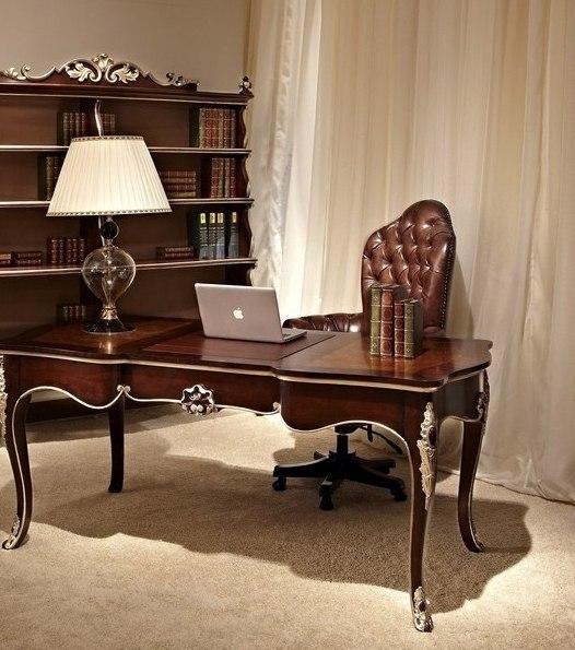 Современный кабинет в классическом стиле