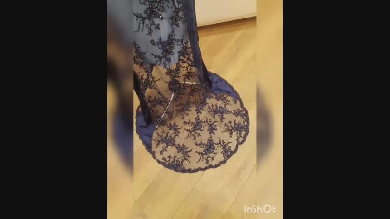 Королевский комплект... 👑  42 размер доступен к аренде или продаже 🎁  На показе этот наряд представляла прекрасная Евгения Атама