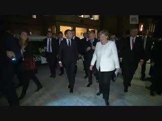 Меркель на русском языке пошутила про «сибирское пальто» Путина