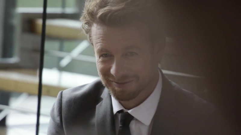 Simon Baker the Record watch in London – Behind the Scenes