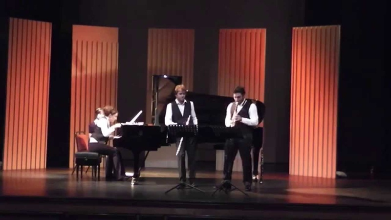 Malcolm Arnold, Grand Fantasia - TRIO TARANTALLEGRA