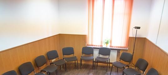 Почасовая аренда офиса для переговоров и собеседований в центре санкт-пете аренда офиса в москве метро теплый стан