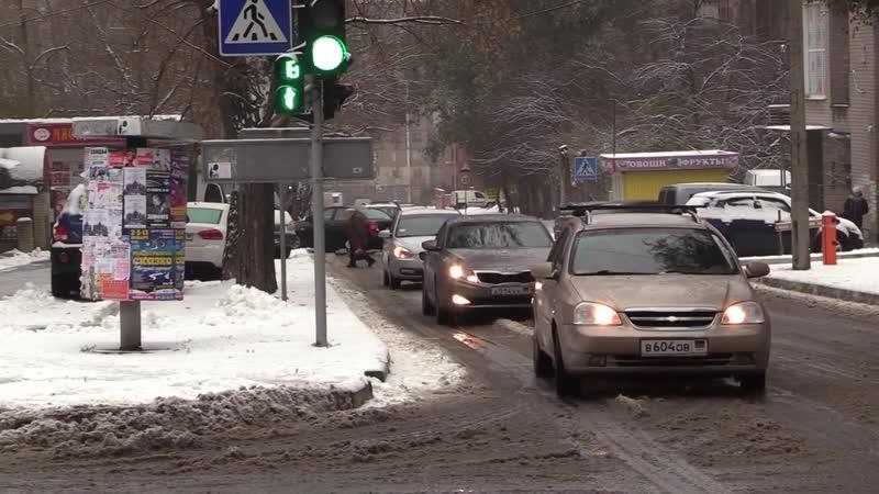 Госавтоинспекция призывает водителей быть внимательными на дорогах.