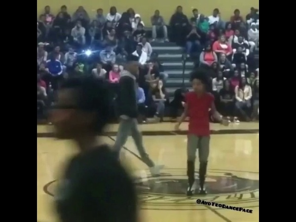 Ayo and teo dancing before the fame