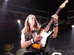 Дэвид Майкл «Дэйв» Мюррей британский гитарист, музыкант, автор песен Прежде всего известен как гитарист Iron Maiden. Он присоединился к группе спустя всего 2 месяца после её основания и, после