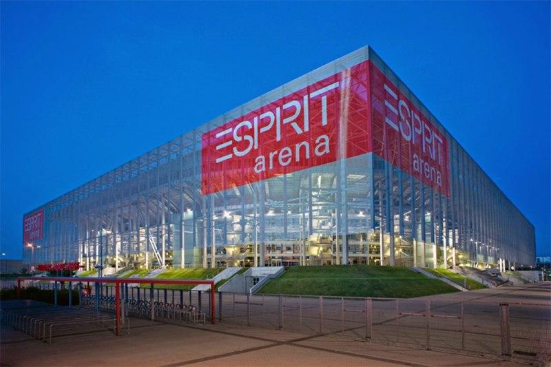 Стадион Эсприт Арена (Esprit Arena). Дюссельдорф, Германия.